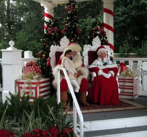 WDW santa and mrs claus at epcot