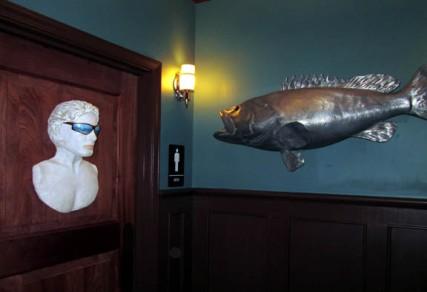 floridatraveler  BOATHOUSE bathroom and fish
