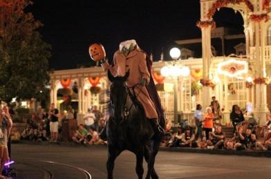 floridatravelerMickey's-Not-so-Scary-Halloween-Party-Horsemean