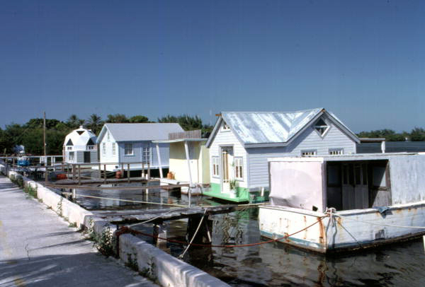 floridatraveler HOUSEBOAT ROW roosvelt key west
