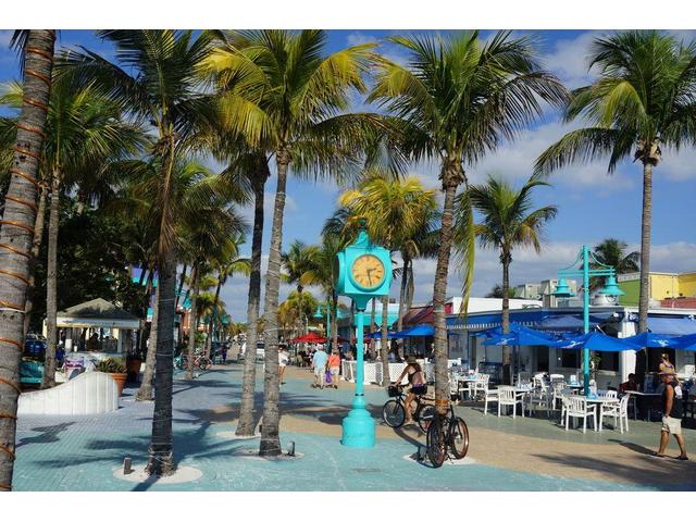 FLORIDATRAVELER  TIMES SQUARE ft myers beach