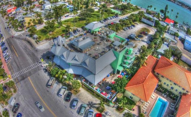 FLORIDATRAVELER Hurricane-Seafood-Restaurant