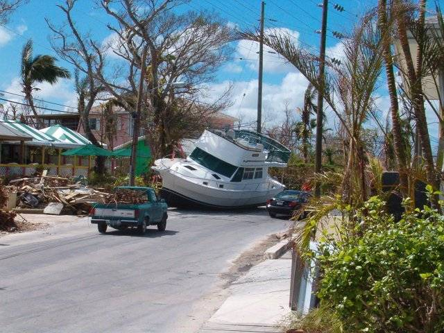 floridatraveler-boat-in-street-hurricane