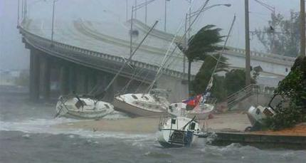floridatraveler-boats-and-hurricane