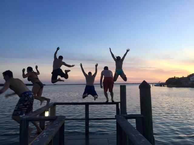 floridatraveler-jump-off-a-pier-eckerd-college