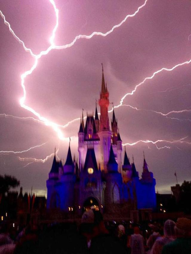 floridatraveler-lightning-at-disney-article-disney-1-0703