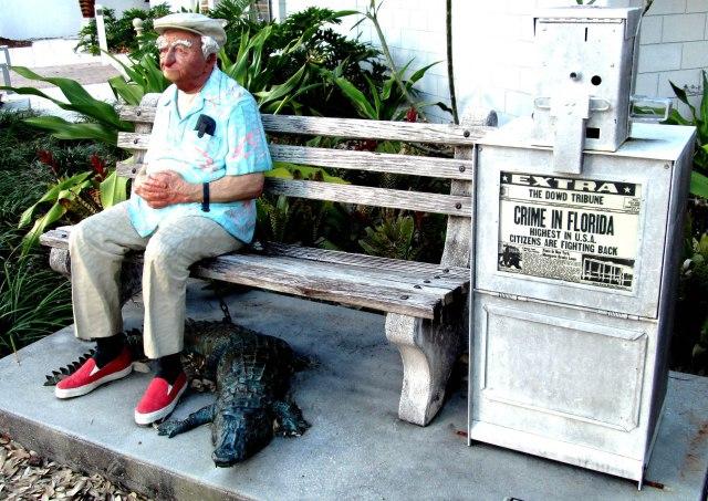 floridatraveler-sarasota-gator-and-tourist