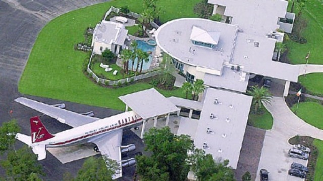 FLORIDATRAVELER john travolta house and airplane