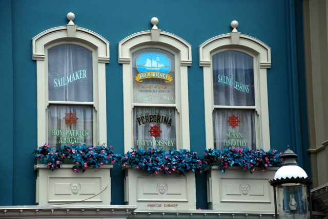 floridatraveler Windows on main street1