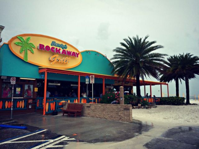 FLORIDATRAVELER Frenchys-Rockaway-Grill-on-the-Beach