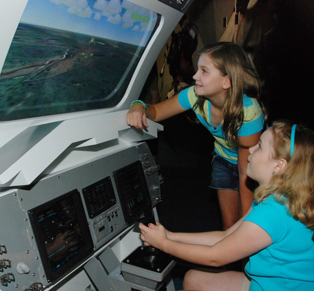 FLORIDATRAVELER Children_Operating_Landing_Simulator