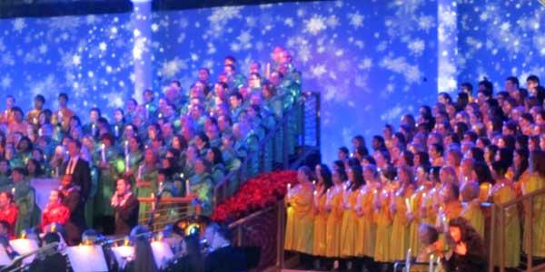 FLORIDATRAVELER epcot candlelight-processional-choir