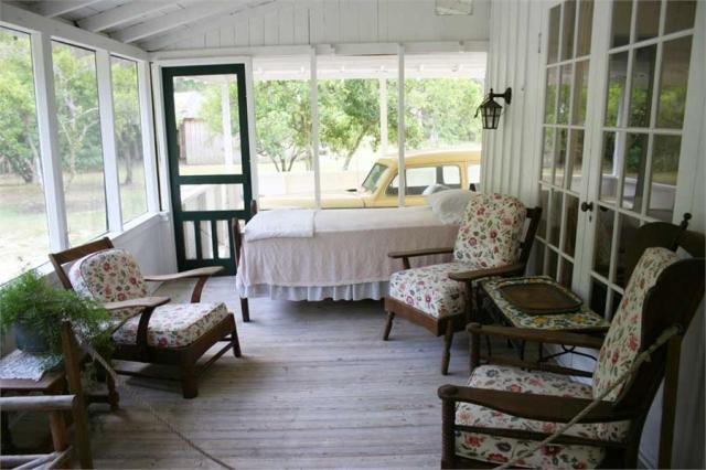 floridatraveler US301 sleeping porch old car