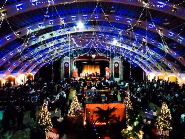 FLORIDATRAVELER coliseum ballroom at xmas