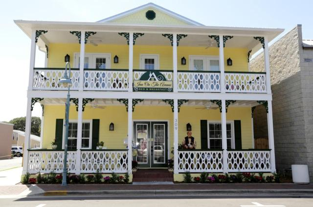 FLORIDATRAVELER Inn on Avenue New Smyrna