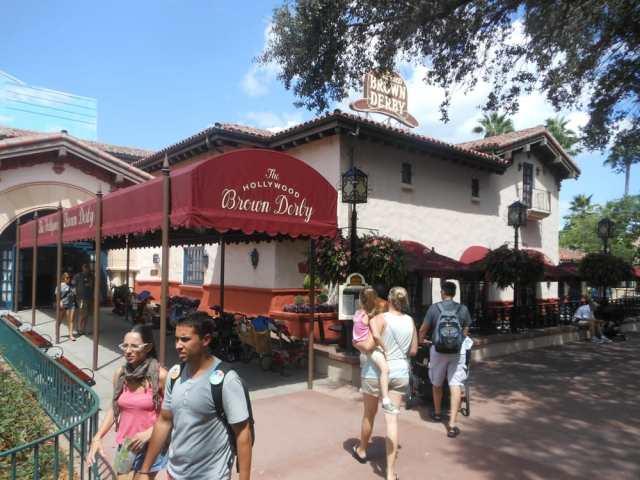 Floridatraveler FLORIDA BROWN DERBY LOUNGE